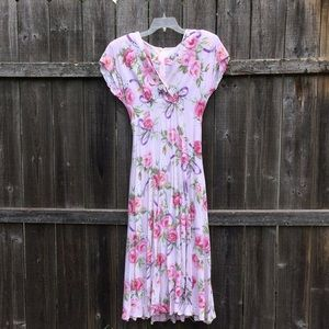 Gorgeous vintage pink floral dress